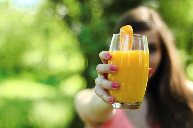 čerstvá pomerančová šťáva
