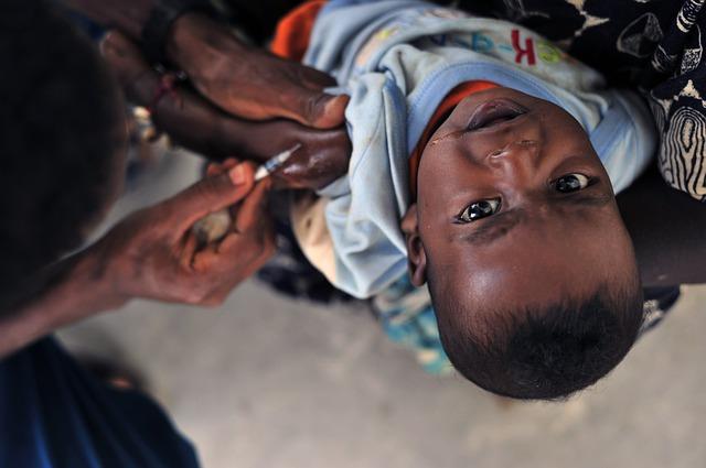 očkování malého dítěte