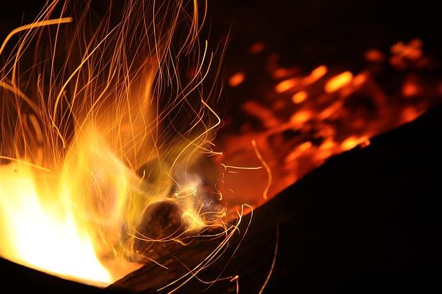 oheň táboráku
