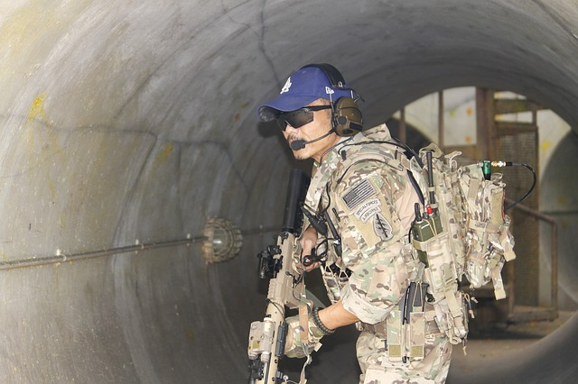 voják v tunelu
